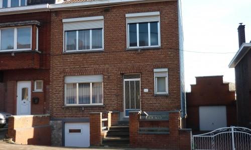 Roux - Maison 3 façades avec jardin et garage